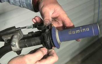 mototrcycle throttle maintenance